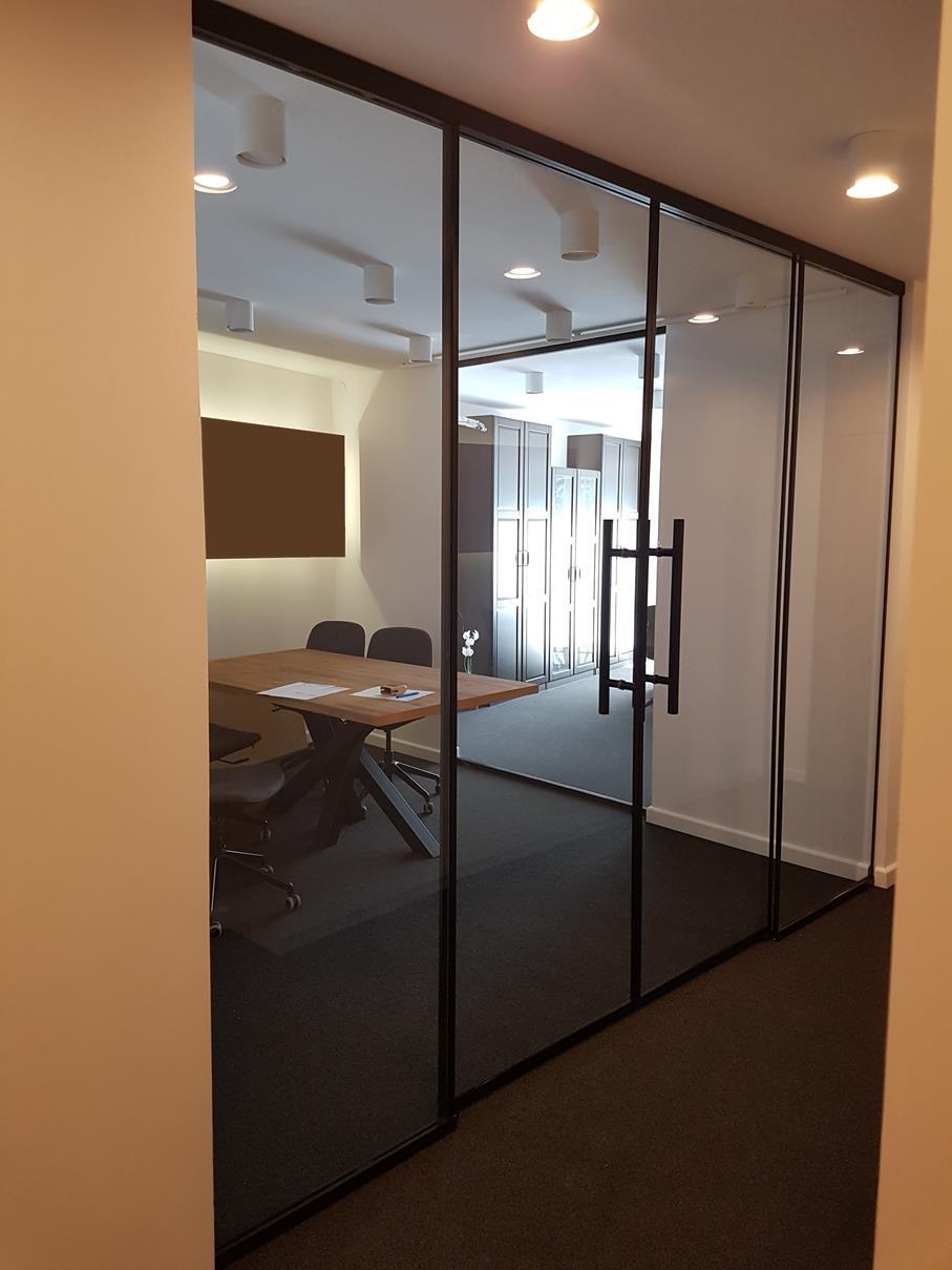 2018-11-27 Ścianki szklane z drzwiami przesuwnymi (3)